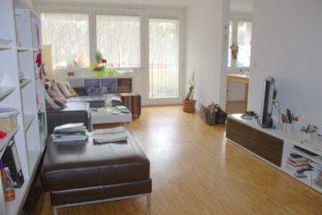 Helle Dachgeschoß-Wohnung mit 3 Zimmern beim Ostpark, Sonnenbalkon, 81735 München, Etagenwohnung